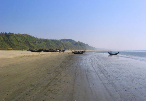 The beach at Cox Bazar the longest beach in the wordl