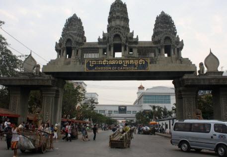 Cửa khẩu Poipet - Arayarathet giữa Campuchia và Thái Lan