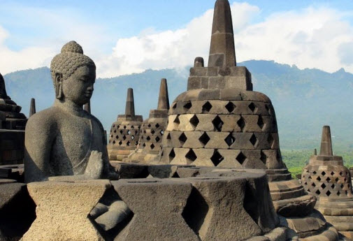 Borobudur temple in Indonesia Yogyakarta - travel advice and travel info