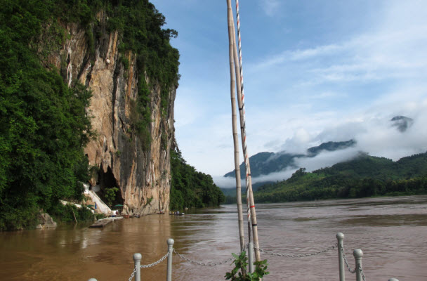 Arriving at the Pak Ou Caves with the Luang Say cruise