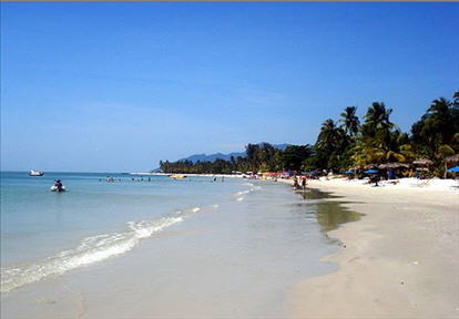 the Pantai Cenang Beach in Langkawi