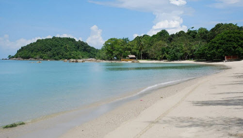 Pantai Kok Beach on Langkawi Malaysia long white sandy beach - Travel Guide Malaysia