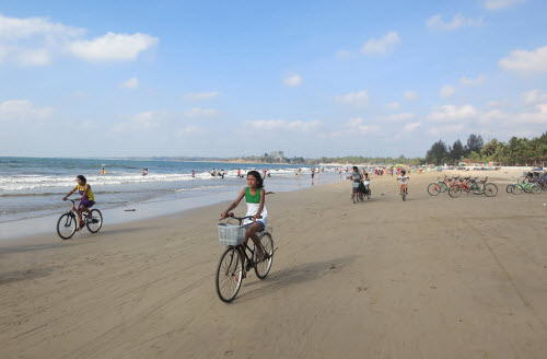 Chaungtha Beach Myanmar  City new picture : ... is very popular to rent a bike and bicycle on the beach at Chaung Tha