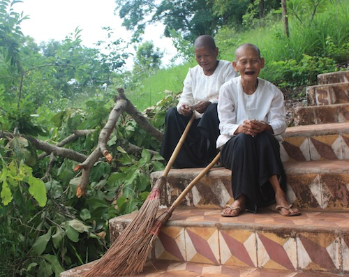 Nuns at Phnom Yat