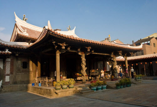 The Longshan temple in Lugang - Taiwan temples