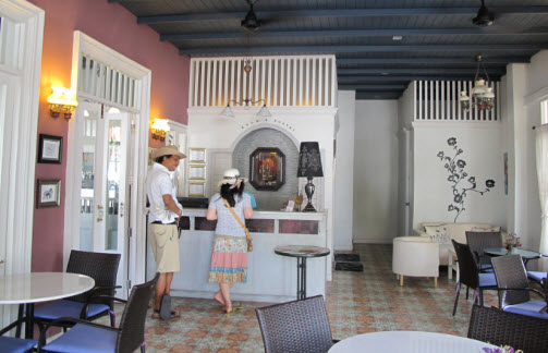 Arom D Hostel In The Old City Bangkok