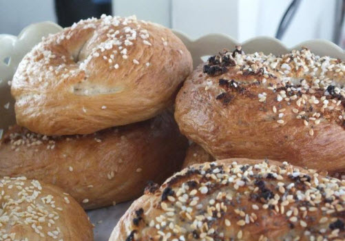Freshly baked bagels at the Bagel Cafe Bangkok
