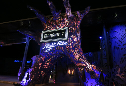Mansion 7 haunted house Bangkok entrance