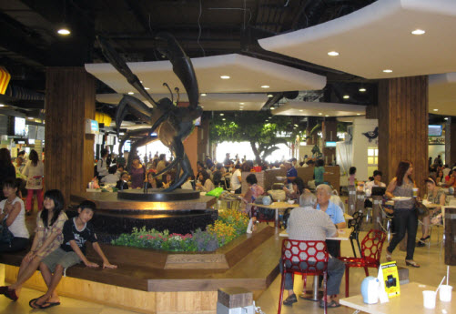 Inside the pier 21 food court in bangkok - Travel Food