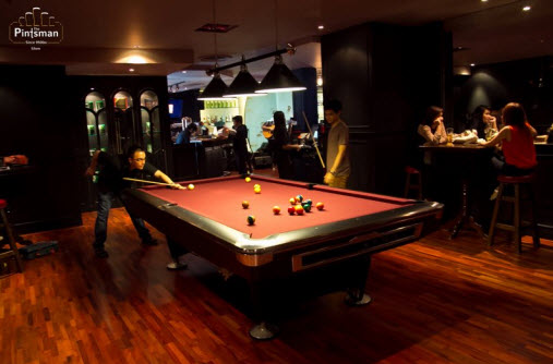 The Pintsman bar Silom Pool table