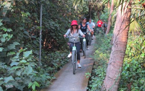 Bangkok Follow Me Bike tours