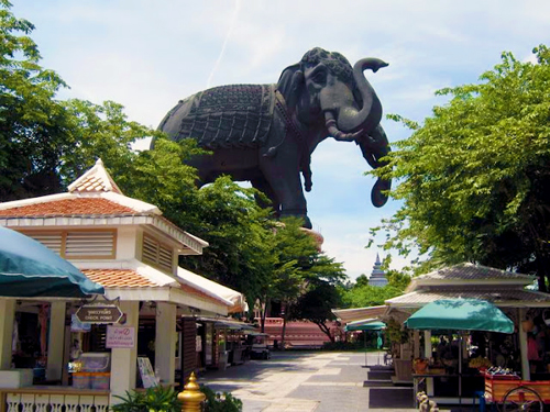 The three-headed elephant housing the Erawan Museum