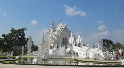 Chiang Raio white temple Wat Rong Khun - Free World Travel guide and trip advice