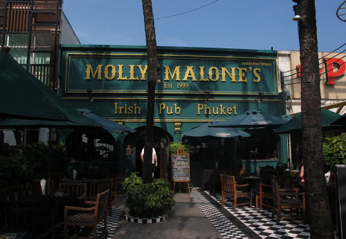 Molly Malones Irish pub in Patong Phuket - Travel Guide
