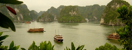 Halong Bay in Vietnam - Travel info and travel advice - Free World Travel Guide